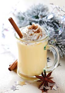 Fresh Eggnog With Nutmeg and Cinnamon
